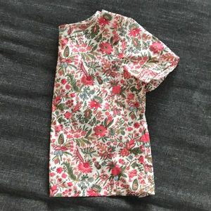 Stunning summer print top!